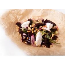 Салат из печеной свеклы с творожным сыром